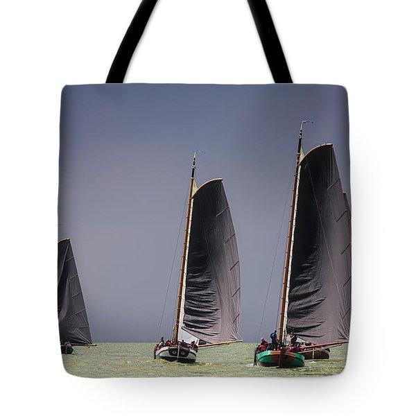 Skutsje Wedstrijd Voor De Wind Tote Bag