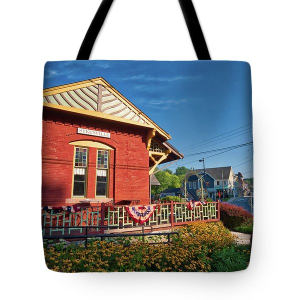 Tote Bag featuring the photograph Skyesville Train Station by Mark Dodd