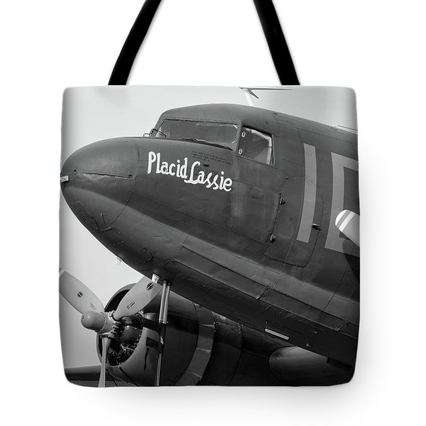 Skytrain In Black And White - 2017 Christopher Buff, Www.aviationbuff.,com Tote Bag