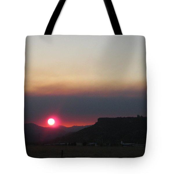 Tote Bag featuring the photograph Smoky Sunset Near Table Rock by Marie Neder