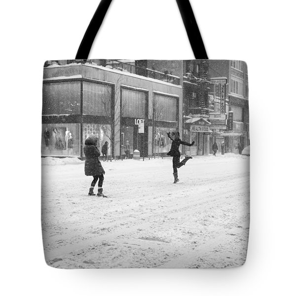 Snow Dance - Le - 10 X 16 Tote Bag