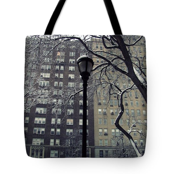 Snowy Day In New York Tote Bag