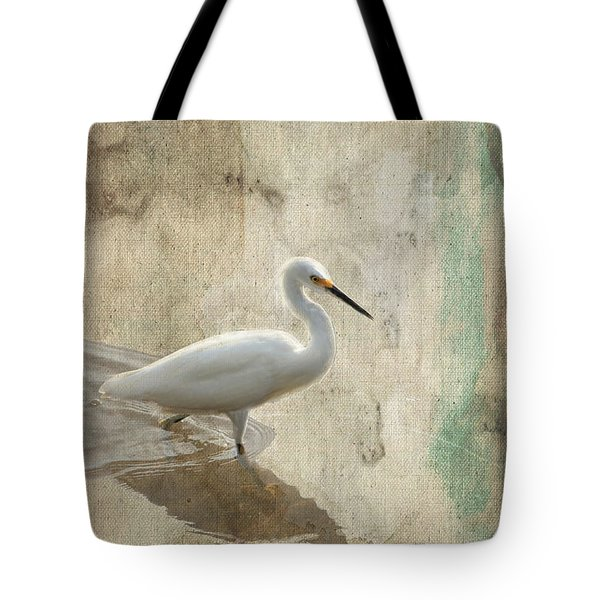 Snowy Egret In Grunge Tote Bag