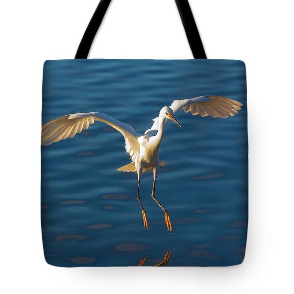 Snowy Egret Landing Tote Bag