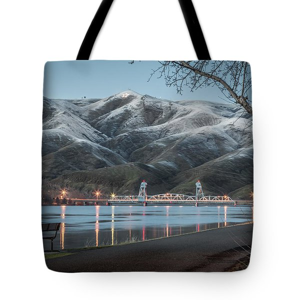 Snowy Star Tote Bag