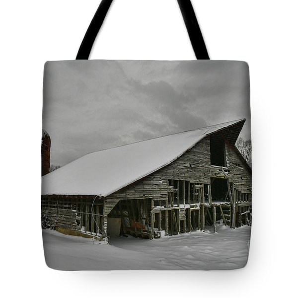 Snowy Thunder Tote Bag