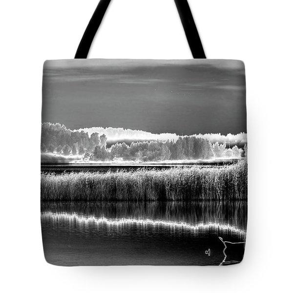 Solarisation 2 Tote Bag