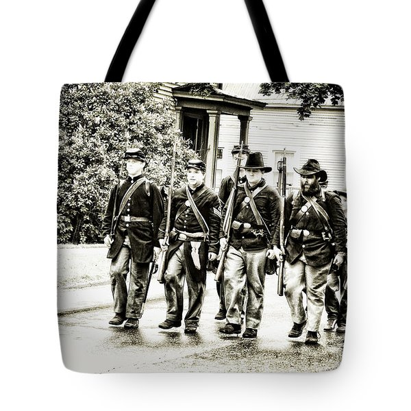 Soldiers Marching In Parade Tote Bag