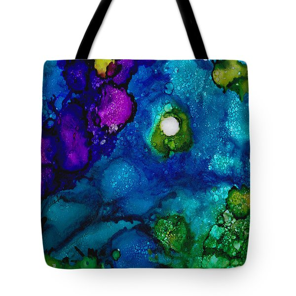 Solo In The Stream Tote Bag