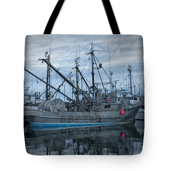 Tote Bag featuring the photograph Spirit At Rest by Randy Hall