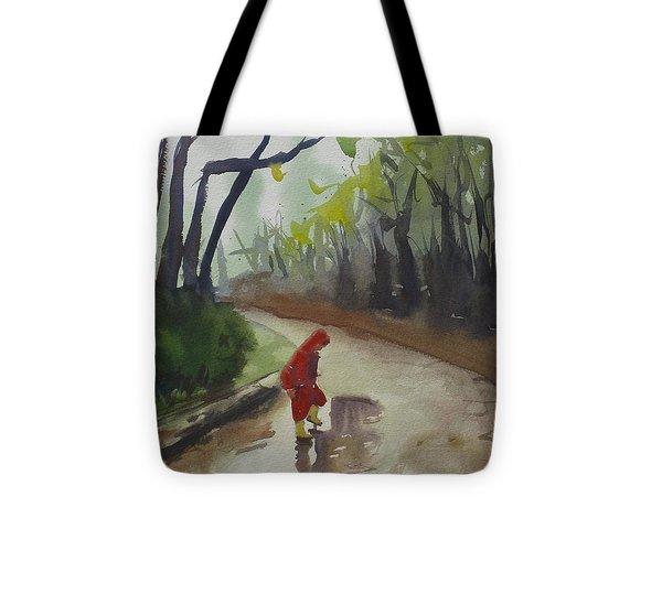 Splashing Tote Bag by John Holdway