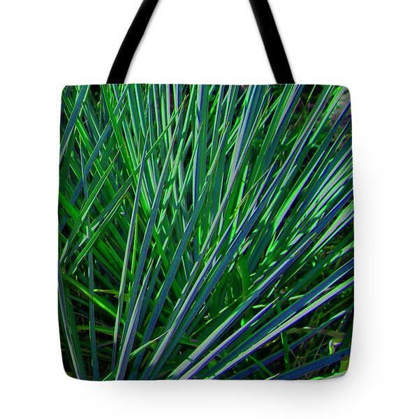 Tote Bag featuring the photograph Splayed by Lenore Senior