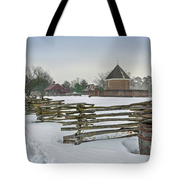 Split Rail Fence In Front Of Colonial Williamsburg Magazine Tote Bag