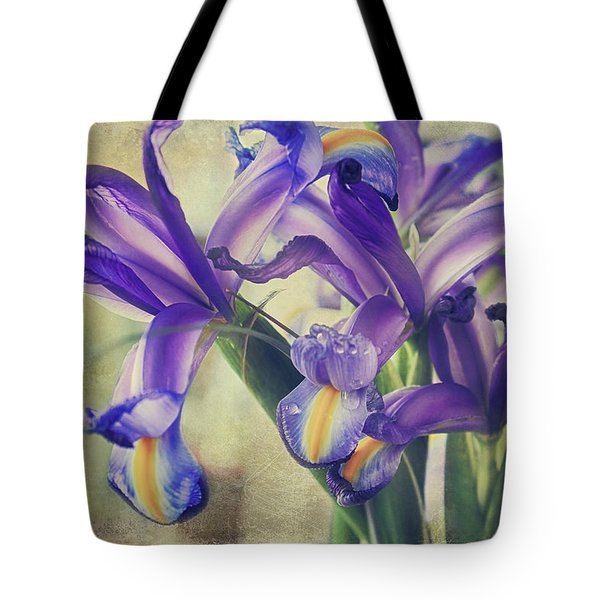 Tote Bag featuring the photograph Spread Love by Laurie Search