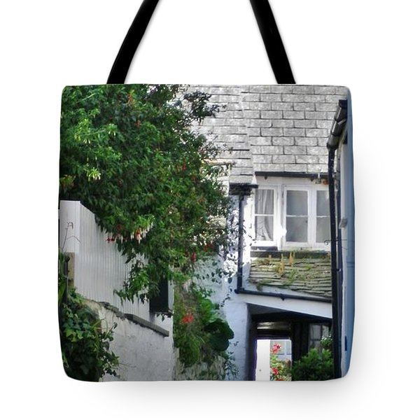 Squeeze-ee-belly Alley Tote Bag by Richard Brookes