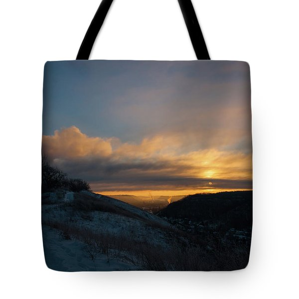 Tote Bag featuring the photograph Srl-1 by Ellen Lentsch