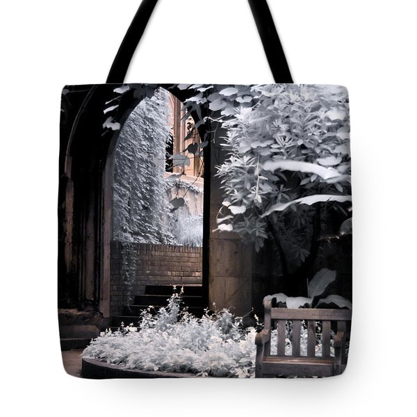 St Dunstan's In The East Tote Bag