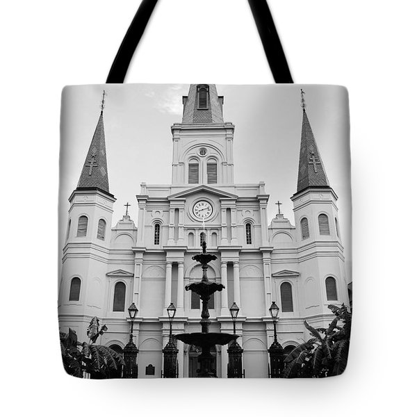 St Louis Cathedral And Fountain Jackson Square French Quarter New Orleans Black And White Tote Bag
