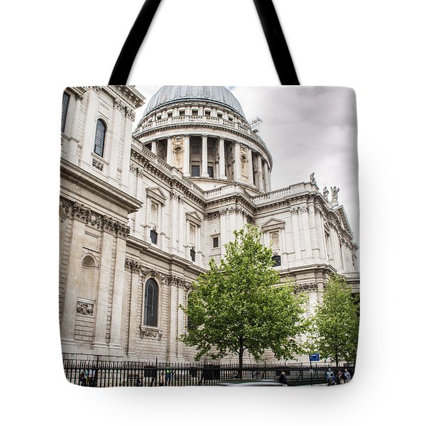 St Pauls Cathedral With Black Taxi Tote Bag