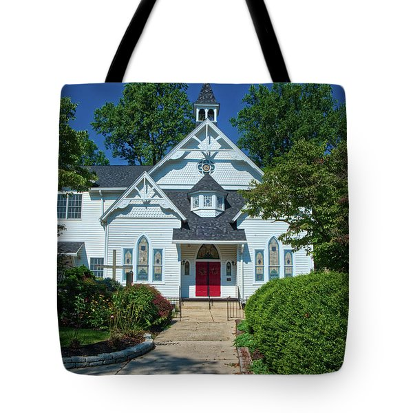 Tote Bag featuring the photograph St. Pauls United Methodist Church by Mark Dodd