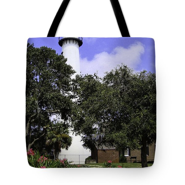 St Simons Isle Lighthouse Tote Bag