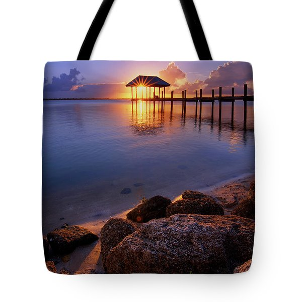 Starburst Sunset Over House Of Refuge Pier In Hutchinson Island At Jensen Beach, Fla Tote Bag