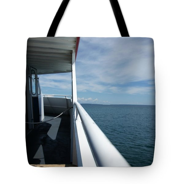Tote Bag featuring the photograph Starline 2 by Linda Shafer