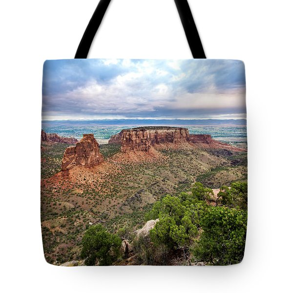 Stars Over Colorado National Monument Tote Bag