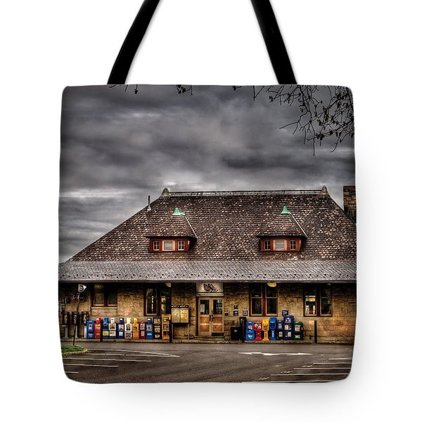 Station - Westfield Nj - The Train Station Tote Bag by Mike Savad