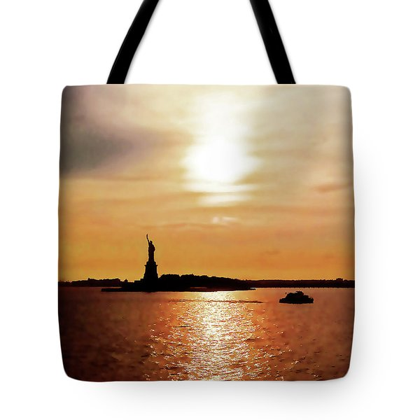 Statue Of Liberty At Sunset Tote Bag