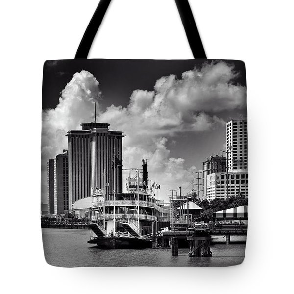 Steamboat And Big Buildings In Black And White Tote Bag