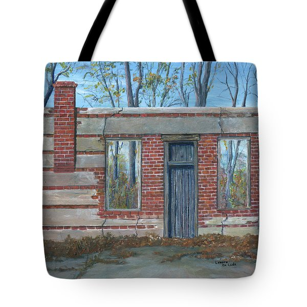 Stonewall Light, Highway 171 Tote Bag