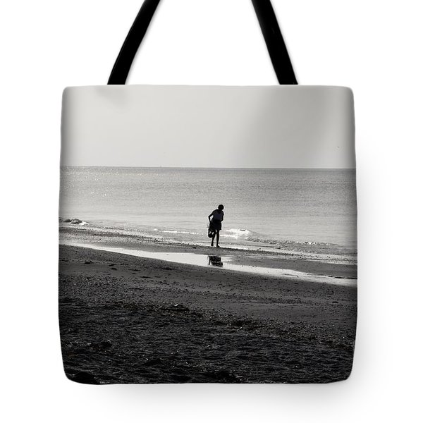 Stooping Tote Bag