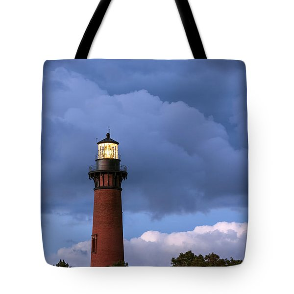 Storm Looms Near Currituck Beach Lighthouse Tote Bag