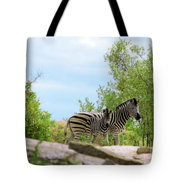 Mama, Who's That Idiot Taking My Picture? Tote Bag