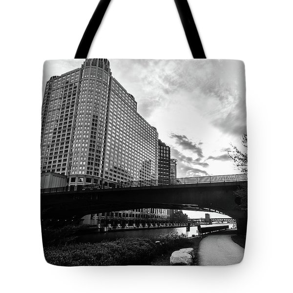 Strolling In The Chi Tote Bag
