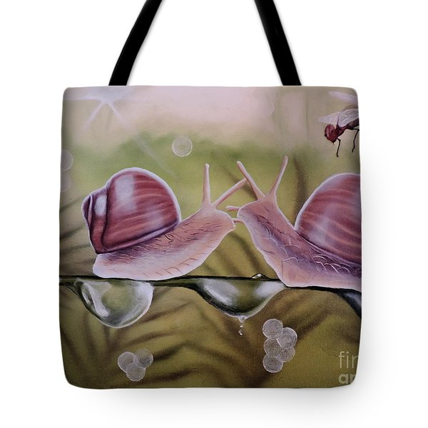 Sue And Sammy Snail Tote Bag by Dianna Lewis