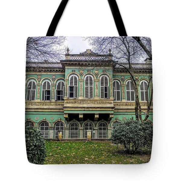 Sultan's Retreat Tote Bag