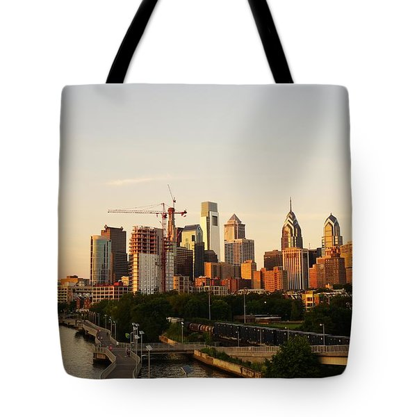 Tote Bag featuring the photograph Summer Evening In Philadelphia by Ed Sweeney