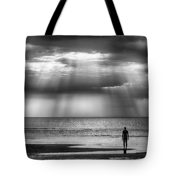 Sun Through The Clouds Bw 11x14 Tote Bag
