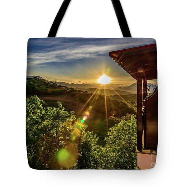 Sunburst View From Dellas Boutique Hotel Near Meteora In Kastraki, Kalambaka, Greece Tote Bag