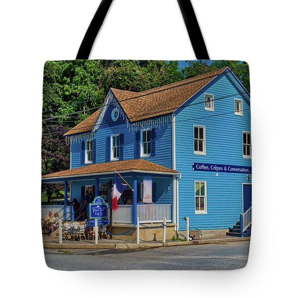 Tote Bag featuring the photograph Sunday Morning Brunch by Mark Dodd