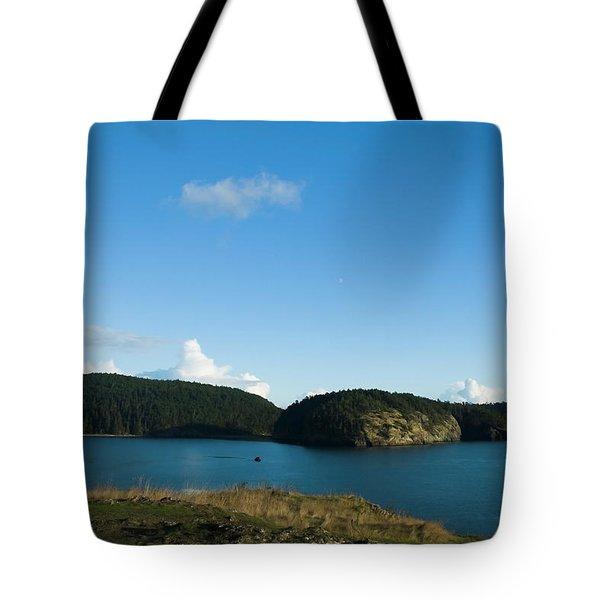 Tote Bag featuring the photograph Sunny Day At Bowman Bay Park by Yulia Kazansky