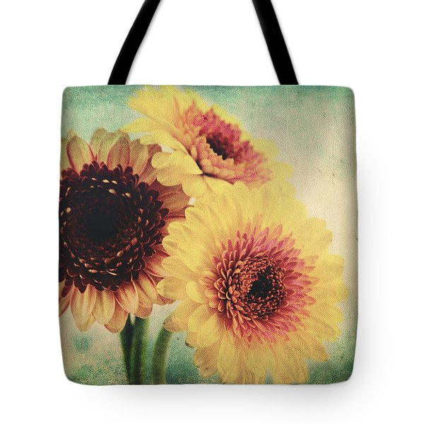 Sunny Gerbera Tote Bag by Angela Doelling AD DESIGN Photo and PhotoArt