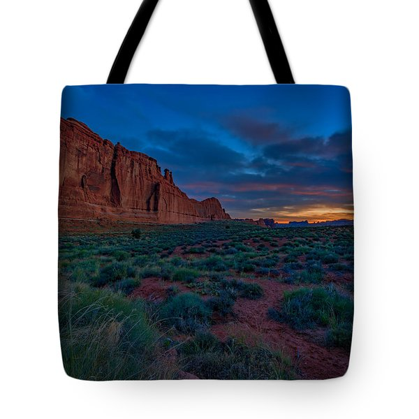 Sunrise At Courthouse Towers Tote Bag