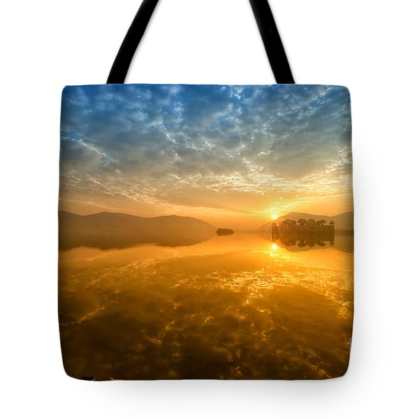 Tote Bag featuring the photograph Sunrise At Jal Mahal by Yew Kwang