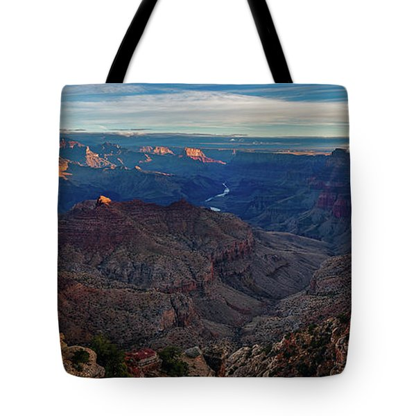 Tote Bag featuring the photograph Sunrise At Navajo Point by John Hight