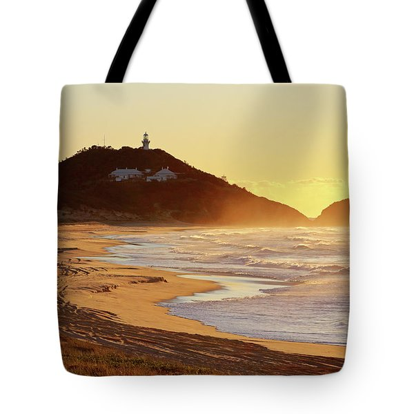 Sunrise At Sugarloaf Point Tote Bag