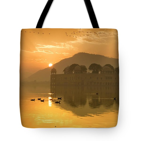 Tote Bag featuring the photograph Sunrise At Water Palace by Yew Kwang