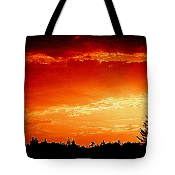 Sunrise In Southport Maine Tote Bag